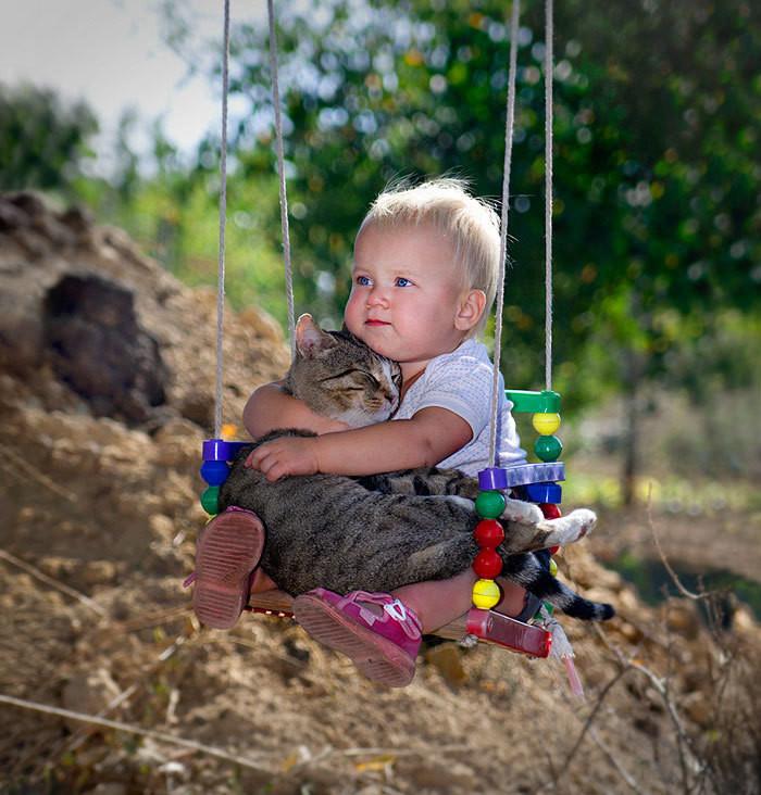 Домашний любимец научит малыша дружить... дети, животные