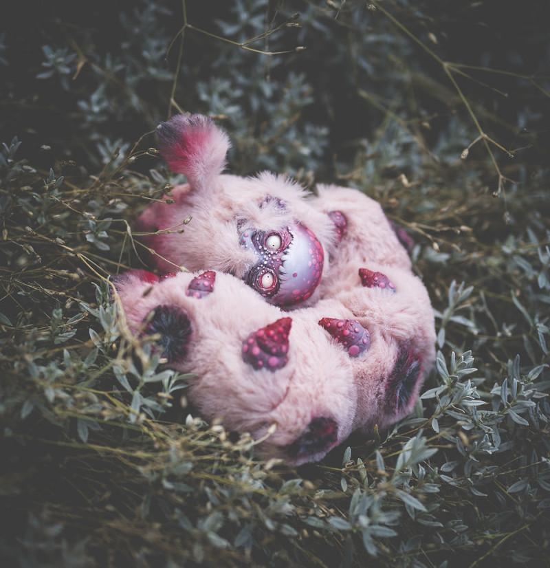 Гигантская зомби-гусеница животные, сад, фантазия