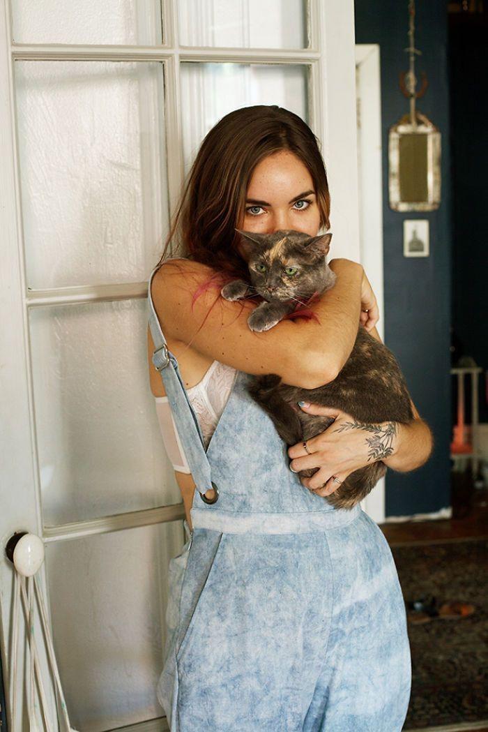 Натали и Тэла девушки, животные, коты, фотопроект