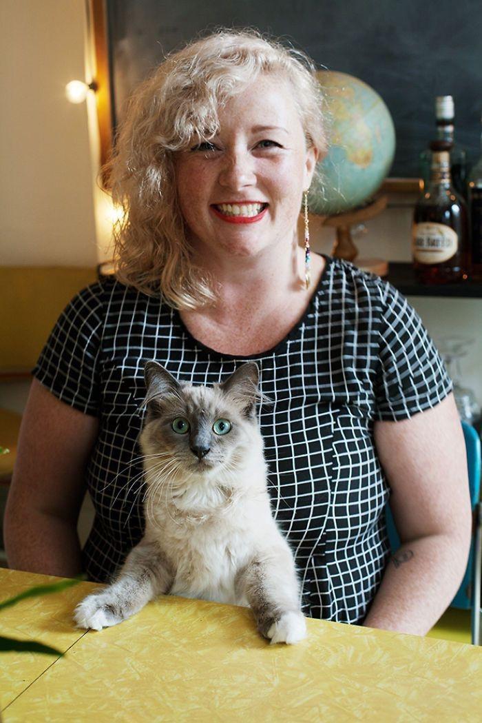 Мишель и Бобо девушки, животные, коты, фотопроект