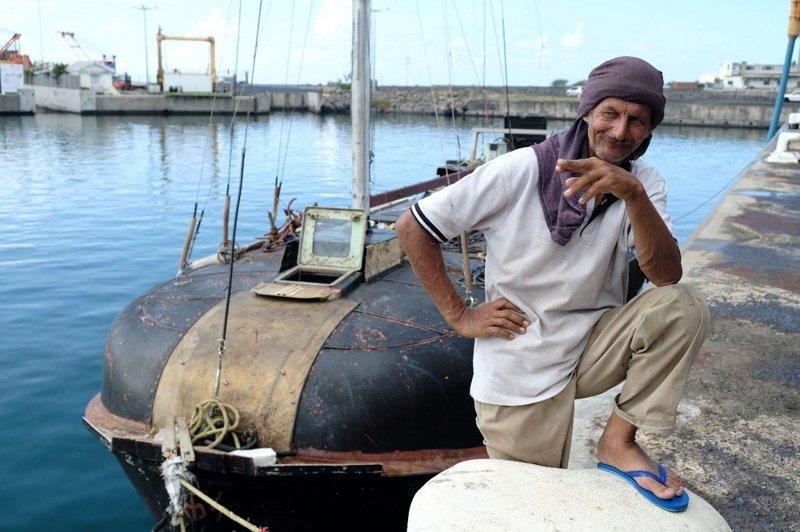 Польский моряк с кошкой 7 месяцев дрейфовал в Индийском океане интересное, море, фото